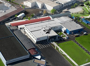 """В съобщение до медиите, Cordeel Bulgaria обяви, че в момента строи четири ключови завода в България. Компанията изгражда базите на TESY, WITTE Automotive Bulgaria, """"Лавена"""" и Melexis България. За 2017 година Cordeel Bulgaria е въвела в експлоатация най-много сгради на българския пазар от всички строителни фирми, а именно 101 хиляди квадратни метра, посочват от компанията. […]"""