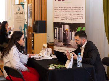 """За поредна година TESY е основен партньор на изложението за българи, учещи и работещи извън България """"BG Career Fairs"""". Силно вярваме и споделяме мисията на организаторите да представим България като чудесна възможност за качествена професионална реализация. На 9 март 2019 год. се проведе първото събитие за тази година в гр. Лондон, където представители на TESY […]"""
