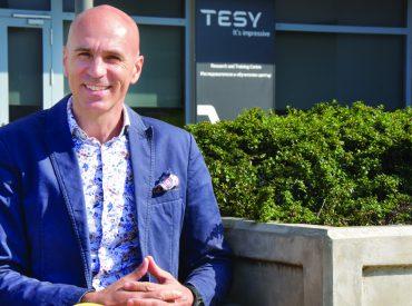 """TESY е създадена през 1993 г. и е част от """"Фикосота холдинг"""". Компанията произвежда електрически бойлери, високообемни бойлери с индиректно загряване, електрически отоплителни уреди и термодинамични бойлери за битова гореща вода. Уредите й достигат до над 50 държави на 4 континента. Дружеството оперира в четири продуктови категории и има четири завода – три в […]"""